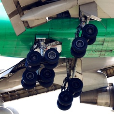 Jade Cargo Boeing 747-4EVRF main landing gear