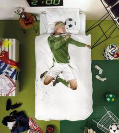 35 Coolest Soccer Themed Bedroom Ideas For Boys Single Bedding Sets, Duvet Sets, Duvet Cover Sets, Best Duvet Covers, Pillow Covers, Soccer Bedroom, Kids Bed Linen, Sports Bedding, Football Bedding
