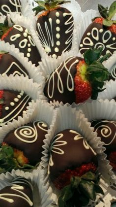 Chocolate dipped strawberries new disigns