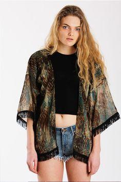 SORTEIO INTERNACIONAL!!!!  Boa noite!! Hoje começou o sorteio de uma peça must have, lá no Blog em parceria com a Loja Hippie Massa Brazil, corre lá e participa.   http://blogdajeu.com.br/hippie-massa-brazil-sorteio  #trend #tendencia #kimonogreen #kimono #musthave #hippiemassabrazil #Sorteio #parceria #loja