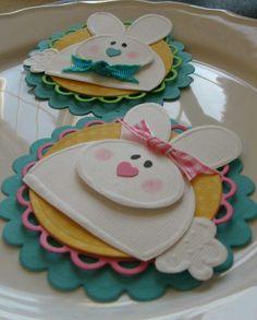 Detalles decorativos con conejitos