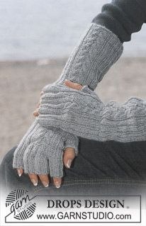 Accessories - Free knitting patterns and crochet patterns by DROPS Design Fingerless Gloves Knitted, Knit Mittens, Knitted Hats, Knit Cowl, Knitting Patterns Free, Free Knitting, Crochet Patterns, Free Pattern, Finger Knitting