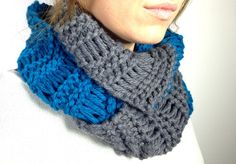 How to loom knit 2-color infinity scarf elongated stitch round loom