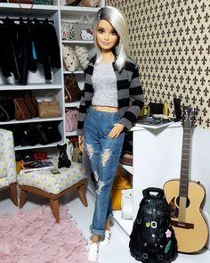 Barbie Life, Barbie World, Barbie Tumblr, Barbie Hairstyle, Accessoires Barbie, Barbies Pics, Fashion Dolls, Girl Fashion, Made To Move Barbie