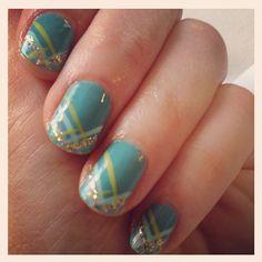 Zooey Deschanel Has The Best Manicurist In Hollywood