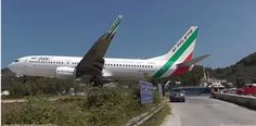 Lowest 737 Landing Ever (Skiathos Airport, Italian pilot)