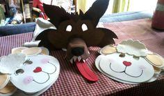 Máscaras ovelhas e do lobo mau.