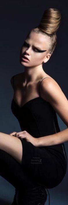 Darina - Winter Moods 2016 by Nicole Franke I Love Fashion, Unique Fashion, Fashion Beauty, Girl Fashion, Black Figure, High Fashion Photography, Glamour Shots, Beauty Shots, Parisian Chic
