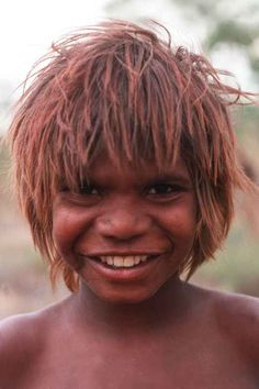 A happy Warlpiri boy from Lajamanu in the Tanami region. The Warlpiri people are about 2000 strong and range from Yuendumu and Mt. Doreen west of Alice Springs to Lajamanu on the Hooker Creek where they were settled by the government in the late Aboriginal Children, Aboriginal History, Aboriginal Culture, Aboriginal People, Aboriginal Art, Gold Coast Australia, Sydney Australia, People Of The World, People Photography