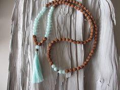 Charm- & Bettelketten - Kette Mala Rudraksha Bodhi Jade helltürkis Quaste - ein Designerstück von Qulaju bei DaWanda