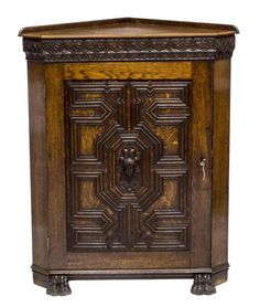 VICTORIAN OAK CARVED PAW FOOT CORNER CABINET 19th C ( 1800s )