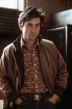 """Robert De Niro as Travis Bickle, """"Taxi Driver/ Taksi Şoförü"""" 1976 Al Pacino, Top Hairstyles For Men, Straight Hairstyles, New York Movie, Thriller, Actrices Hollywood, The Expendables, Martin Scorsese, Taxi Driver"""
