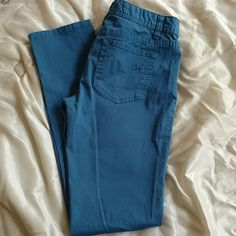 American Rag Curvy Skinnys! NWOT from American Rag! Blue curvy skinny jeans! No fading, no rips, and no fraying! Size 5 regular. Inseam measures approximately 30.5 inches waist measures 15 inches lying flat.  98% cotton 2% spandex American Rag Jeans Skinny