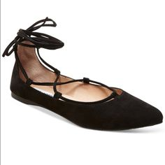 Steve Madden Eleanorr lace up flat Unique suede flat! Looks great with jeans or a dress! Very on trend. $90 at Macy's. Never worn Steve Madden Shoes Flats & Loafers