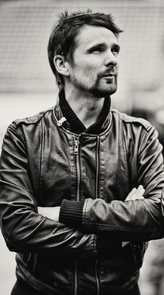 Matt Bellamy <3  (I pinned a cut-off version of this one before but this one is much better...)