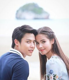 An exemption😆 markyaya💞💞 Photo Poses For Couples, Young Couples, Cute Couples, Asian Actors, Korean Actors, Beautiful Asian Girls, Beautiful People, Mark Prin, Cute Love Couple