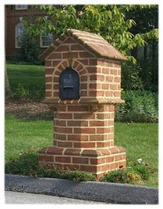 An attempt was made to steal my locking mailbox. _Brick-Masonry_M Home Mailboxes, Custom Mailboxes, House Yard Design, Stone Mailbox, Mailbox Garden, Brick Projects, Brick Art, Brick Masonry, Girl House