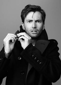 """How do you work this bloody coat??"" <3 David Tennant"