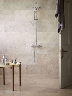 Troy Honed Marble Tiles offer subtle shades & mottling in this bathroom | Mandarin Stone