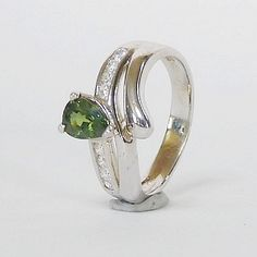 Genuine Vivid Green Sapphire in Solid 925 Sterling Silver Ring Green Sapphire, Gemstone Rings, Etsy Seller, Fine Jewelry, Silver Rings, Gemstones, Sterling Silver, Unique, Accessories