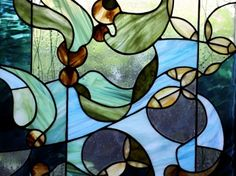 Article about Founding Associate Anne Lindenfeld's work in stained glass.