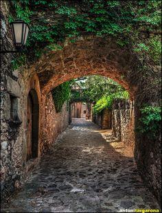 Mura, Catalonia, Spain (by antoni targarona)