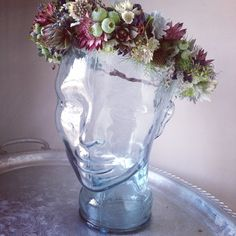 """102 mentions J'aime, 11 commentaires - Passionflower (@passionflowersue) sur Instagram: """"Happy wedding day, Lindsey & Peter! Flowers fit for a midsummer's night dream... #floralcrown…"""""""