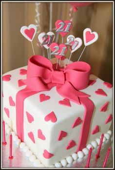 Cute Hearts As Wrapping Paper Lydia Albrecht 21st Birthday Cake Ideas