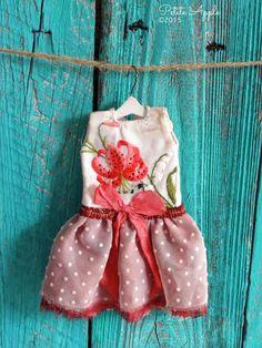 Blythe conjunto de muñecas * Lirio rojo * vestido bordado de la vendimia OOAK