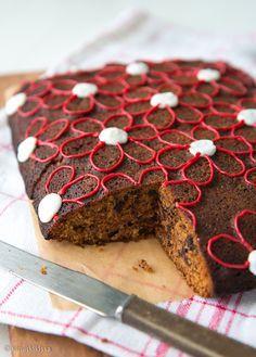 Suklaa-maustekakku / Chocolate cake with cinnamon and cardamom. Sugar Rush, C'est Bon, Chocolate Cake, Cinnamon, Muffin, Baking, Breakfast, Desserts, Christmas Recipes