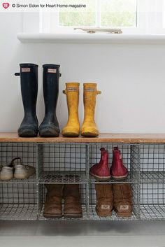 Wire baskets for shoes. Wooden picking crates would work also, stack them lengthwise for runners etc and on their ends for boots. an idea to use these wire baskets in the mudroom closet? Bench With Shoe Storage, Crate Storage, Diy Bench, Storage Baskets, Storage Ideas, Boot Storage, Porch Storage, Entryway Storage, Laundry Storage
