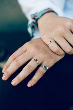Anillo de Inés Susaeta, surfera nacida en el mar Cantábrico, de donde se inspira para crear sus exclusivas joyas de plata hechas a mano.