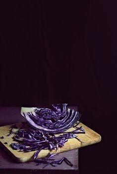 Rotkohl Pasta mit gebratenen Paprika.                                                 Bessere Photography als das Rezept, spielt aber keine rolle!