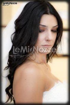 http://www.lemienozze.it/gallerie/foto-acconciature-sposa/img29269.html  semplici e morbidi: capelli ondulati e sciolti per il giorno delle nozze