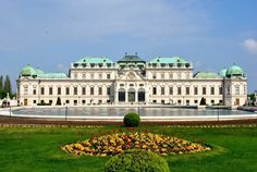 Summer view of the Belvedere Palace in Vienna - Travel to Croatia, Austria and Slovenia on this Discovery Tour Austria Tourism, Cool Places To Visit, Places To Go, Excursion, Dream City, The Good Place, Things To Do, Beautiful Places, Germany