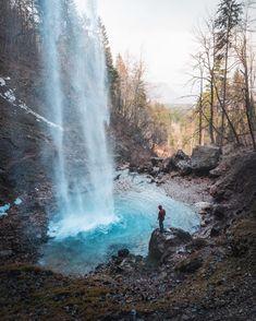 Diese 6 österreichischen Wasserfälle sind im Herbst besonders schön – ichreise There are beautiful waterfalls in Austria – and some of them are even impressive record holders! Places To Travel, Places To See, Travel Tags, Les Cascades, Beautiful Waterfalls, Holiday Destinations, Outdoor Travel, Travel Photography, Beautiful Places