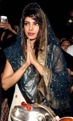 Priyanka Chopra looks stunning in a Ritu Kumar off-white suit. Indian Film Actress, Beautiful Indian Actress, Beautiful Actresses, Indian Actresses, Indian Celebrities, Bollywood Celebrities, Bollywood Actress, Bollywood Photos, Bollywood Stars