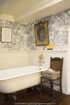 4 Startling Useful Tips: Wainscoting Ideas Garage wainscoting bathroom house.Wainscoting Hallway Bathroom wainscoting panels home depot. Black Wainscoting, Wainscoting Nursery, Painted Wainscoting, Dining Room Wainscoting, Wainscoting Panels, Wainscoting Ideas, Toile Wallpaper, Bathroom Wallpaper, Dining Room Blue