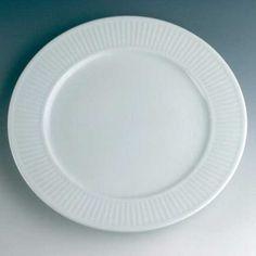 Plissé Plate, White, Pillivuyt #plates #plate #tallrikar #pillivuyt #design #royaldesign