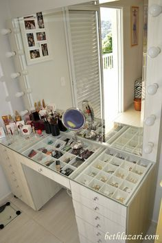 Glass top so you can see all your makeup