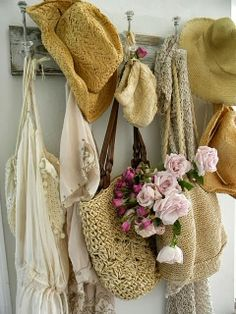Shabby in love: Decorating with hats