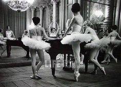 Alfred Eisenstaedt, The Parisians: Ballerinas Around Piano, Opera de Paris