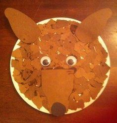 Lobo mau feito em pratinho de papelão com colagem de papel picado