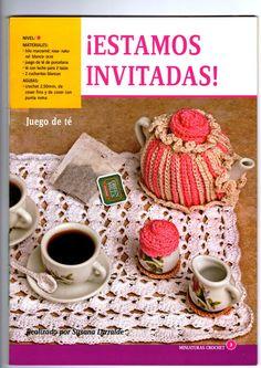 Miniaturas en Crochet Tableware, Crochet Ornaments, Little Pigs, Crochet Ideas, Creative Crafts, Quilts, Made By Hands, Scrappy Quilts, Miniatures