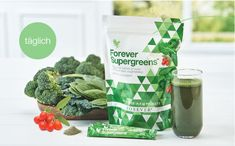 Forever Supergreens - Forever Aloe Vera Discover the benefits of Athletic Greens which promises brain health, athletic endurance, digestive health, recovery and immune system support. Forever Aloe, Aloe Vera, Green Superfood, Fast Food, Super Greens, Brain Health, Vitamins And Minerals, Whole Food Recipes, Eten