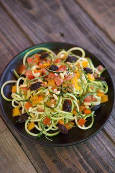 Zucchini Noodles Al Dente #raw #detox #zoodles #greatist
