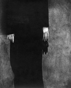 "yama-bato: "" Edward Dimsdale Gloves, Autumn 1997 Toned Silver Gelatin print from a paper negative Edition of 22 also here "" Figure Photography, Dark Photography, Contemporary Photography, Anima And Animus, Fine Art Photo, Great Photographers, Saul Leiter, Online Art, Black And White"