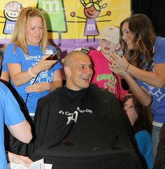 Rob Gronkowski's new look after the Kid's Cancer Buzz Off