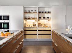 La zona de columnas se utiliza generalmente como espacio de #almacenamiento y para albergar #electrodomésticos de grandes dimensiones. http://www.armonia.ws/ #cocina