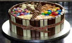 Tutorial for making a cake @  http://www.cakengifts.in/cake-delivery-in-delhi